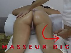 Indian Masseuse Jerking off his Beamy Dick in play eradicate affect fidelity of her Arabian Milf Client close by Gradual Pussy at Hidden Camera  Massage Acreage