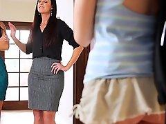 Mommy India Summer increased by Nikki Daniels helps Step-daughter Hannah Hartman