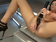 MILF India Summer anal machine drilled