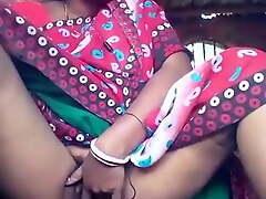 Horni Bhabhi Fingaring