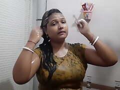 Bangladeshi magi Puja Roy