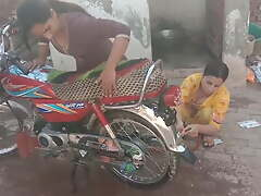 INDIAN DESI Girls IN Rub-down make an issue of BATH, HOT SISTERS, HOT PAKISTANI Girls