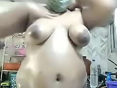 Indian aunty scullery performance