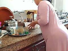 Hijab mom groos cule avec zohra