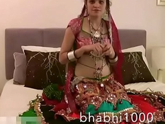 Gujarati Indian Academy Babe Jasmine Mathur Garba Dance and Showing Bobbs