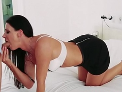 Teen and stepmom in 3way