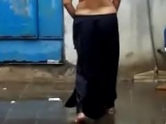 Desi Hot aunty topless in Rain uncompromisingly  hott