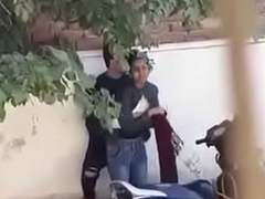 Indian couple romance - Streets - giving a kiss sex