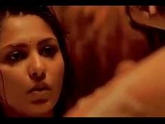 Shobha Mudgal sharing a bath with boyfriend Bollywood