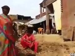 desi worker aunty abusing