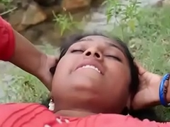 Indian supper Hot village Aunty romance in outdoor hawt sex video part-2