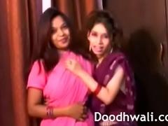 Indian University Beauties In Sari Homoerotic Mind Unsporting XXX Porn
