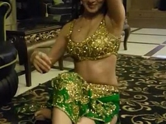 Beautiful indian widely applicable doing sexy mujra for her customer
