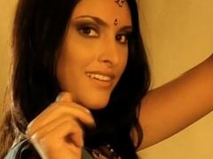 India Girl Dancing Free