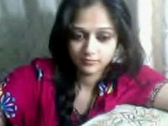 Live Sex - Indian Tean on Webcam showing the brush titties