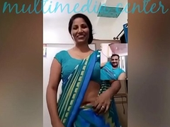 Sexy Desi aunty saree belly button show