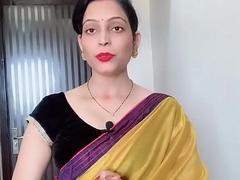 Indian Bhabhi in saree Looking Sexy Hindi Audio