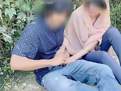 Hijab desi girl fucked in jungle near her boyfriend