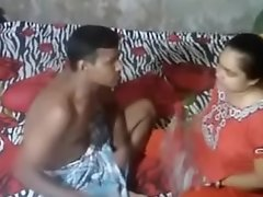 Desi Aunty Caught By At one's fingertips Camera